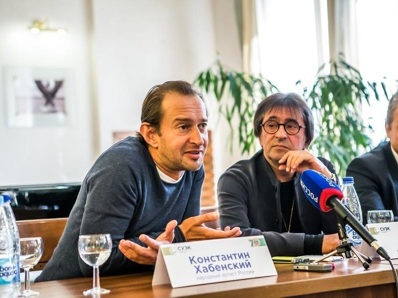 Аня корзун стратегический директор фото диафрагмы объективе